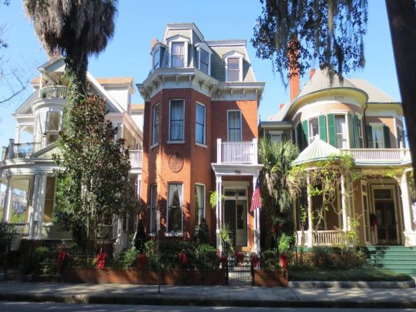 Cobbled streets. Ancient oaks draped with Spanish moss. Restored nineteenth century mansions. The nostalgia is heavy in Savannah.
